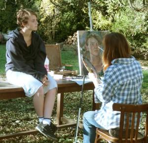 La portraististe Penelope Milner en plein travail